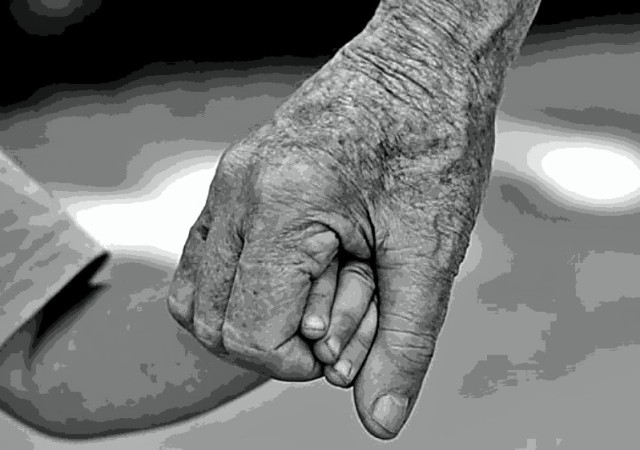 about-us-old-young-holding-hands-picsay
